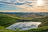 Italy, Tuscany, Orcia Valley, Meadows in Summer