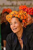 Pao tribe woman of Shan State, eastern Myanmar, the Shewedagon Temple complex, Yangon (Rangoon), Myanmar (Burma), Asia