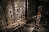 Fundament der ehemaligen Zwillingstürme des WTC, Exponate in Ausstellung im Museum 9/11 Gedenkstätte, Manhattan, New York City, Vereinigte Staaten von Amerika, USA, Nordamerika