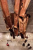 Stahlträger der ehemaligen Zwillingstürme des WTC, Exponate in Ausstellung im Museum 9/11 Gedenkstätte, Manhattan, New York City, Vereinigte Staaten von Amerika, USA, Nordamerika
