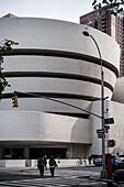 Guggenheim Museum Außenaufnahme, Frank Lloyd Wright, Upper East Side, Manhattan, New York City, Vereinigte Staaten von Amerika, USA, Nordamerika