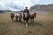 Mongol horseman, Bunkhan Valley, Mongolia, Central Asia, Asia