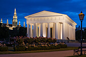 Volksgarten (Peoples Garden), Theseus Temple with Town Hall in the background, Vienna, Austria, Europe