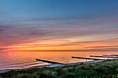 Strand im Abendrot von Ahrenshoop, Fischland, Ostseeküste, Mecklenburg-Vorpommern, Deutschland