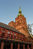 Old town with St. Nikolai, Christmas market, Stralsund, Baltic Sea coast, Mecklenburg-Vorpommern, Germany