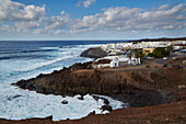 Rocky coast with the village of El Golfo, Atlantic Ocean, Lanzarote, Canary Islands, Islas Canarias, Spain, Europe