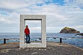 Skulptur Tensei Tenmoku (Tür ohne Tür) im Hafen von Garachico, Teneriffa, Kanaren, Kanarische Inseln, Islas Canarias, Atlantik, Spanien, Europa