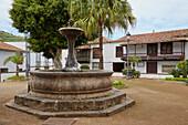 Fountain and typical houses at Icod de los Vinos, Tenerife, Canary Islands, Islas Canarias, Atlantic Ocean, Spain, Europe