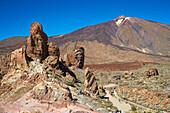 Los Roques de Garcia in the Canadas del Teide, Teide, Parque Nacional del Teide, Natural Heritage of the World, Tenerife, Canary Islands, Islas Canarias, Spain, Europe