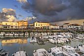 Port of La Flotte, sunset, Restaurants,  Ile de Re, Nouvelle-Aquitaine, french westcoast, france