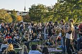 Live Band , Mauerpark, Prenzlauer Berg, Berlin