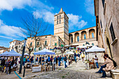 Weekly market around the parish church Nuestra Senyora de los Angeles, Sineu, Mallorca, Spain
