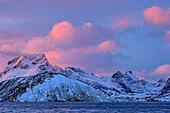 Wolkenstimmung über Flakstadoya, Lofoten, Nordland, Norwegen