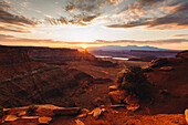 Scenic view of sunrise over vast canyon of Dead Horse State Park, Utah, USA