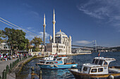 Turkey, Istambul, Ortakoy District, Grand Mecidiye Mosque