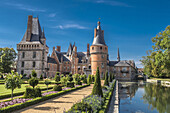 France, Centre Val de Loire, Eure et Loir, Chateau de Maintenon and French formal garden