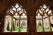 France, Nouvelle Aquitaine, Dordogne department (24), Le Buisson de Cadouin, Cadouin abbey, the cloister, (UNESCO world heritage)