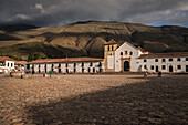 zentral square (Plaza) of Villa de Leyva with its Church of Our Lady of the Rosary, Departamento Boyacá, Colombia, South America