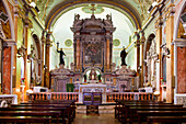 Der Hochaltar der Gesu e Maria Kirche in Pescocostanzo, Pescocostanzo, Abruzzen, Italien