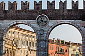 Town gate, Portoni della Bra, Verona, Venetien, Italien
