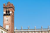 Gardello Tower, Palazzo Maffei, Piazza delle Erbe, Verona, Venetien, Italien