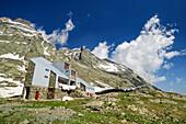 Hut rifugio Vallanta, Giro di Monviso, Monte Viso, Monviso, Cottian Alps, Piedmont, Italy