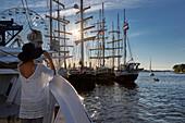Traditionssegler im Stadthafen zur Hanse Sail, Hansestadt Rostock, Mecklenburg-Vorpommern, Deutschland