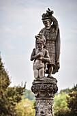 detail of well in monastry yard, Blaubeuren, Alb Danube District, Swabian Alb, Baden-Wuerttemberg, Germany