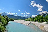 River Lech with Lechtal Alps in background, Lechweg, Reutte, valley of Lech, Tyrol, Austria