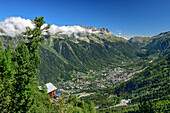Chalet Les Pyramides is above Chamonix valley, pyramid, Mont Blanc, Grajische Alps, the Savoy Alps, Savoie, France