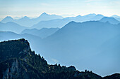 Summit of the axillary heads with a backdrop of the Mangfall Mountains, graduation from the Benedict wall, Bavarian Alps, Upper Bavaria, Bavaria, Germany