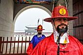 SEOUL SOUTH KOREA Changing of the guard Gyeong Bok Gung Palace.