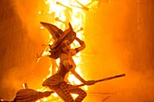 La Nit de la Cremà is the colophon to the festivities of Las Fallas. It is the night that the Fallas monuments burn.