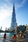 Burj Khalifa, Visitors, Lake, Downtown, Dubai, UAE, United Arab Emirates