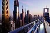 Dachterasse, Sheikh Zayed Road, Burj Khalifa, Hochhäuser, Financal Centre, Dubai, VAE, Vereinigte Arabische Emirate