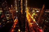 Ausblick, Nacht, Sheikh Zayed Road, Hochhäuser, Financal Centre, Dubai, VAE, Vereinigte Arabische Emirate