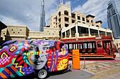 Anhänger, Straßenbahn, Dubai Trolley, Burj Khalifa, Downtown, Dubai, VAE, Vereinigte Arabische Emirate