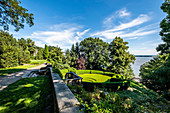 View to the Elbe and the Römischer Garden in Blankenese, Hamburg, North Germany, Germany