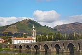 Ponte de Lima, Roman bridge across the river Rio Lima and Santo António church, District Viana do Castelo, Portugal, Europe