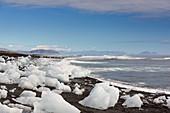 Eisschollen am Gletschersee Fjallsárlón, Island, Europa