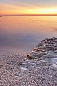 Strand im Abendrot auf der Insel Dugi Otok, Veli Rat, Zadar, Norddalmatien, Dalmatien, Kroatien, Südeuropa, Europa