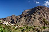 Häuser von La Calera unter Las Pilas und Tequergenche, Valle Gran Rey, La Gomera, Kanarische Inseln, Kanaren, Spanien