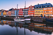 Nyhavn at dawn, Copenhagen, Hovedstaden, Denmark, Northern Europe.