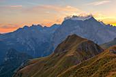 Sonnenuntergang auf der Marmolada-Gruppe, Dolomit, Marmolada-Gruppe, Provinz Rocca Pietore, Belluno, Venetien, Italie
