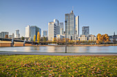 View over the river Main to the skyscrapers in the banking district, Frankfurt am Main, Hesse, Germany