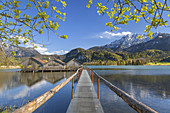 Boathouses on the Kochelsee in front of Herzogstand, Schlehdorf, Tölzer Land, Upper Bavaria, Bavaria, Germany