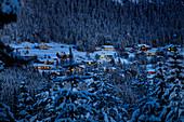 Heggenes am Abend im Winter, Norwegen