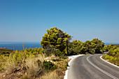 Straße nach Porto Limnionas mit Blick aufs Meer, Zakynthos, Ionische Inseln, Griechenland