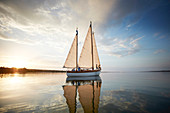 2 Adolescents on the bow, TWO-SIDED SIR SHACKLETON ON THE AMMERSEE Ammersee, Bavaria Germany * Lake Ammer, Bavaria, Germany