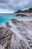 Die felsige Küste von Dugi Otok, Kroatien